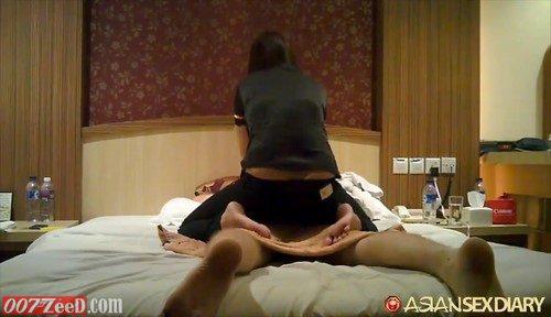 Aasian Sex Hotel hän imee iso kalu